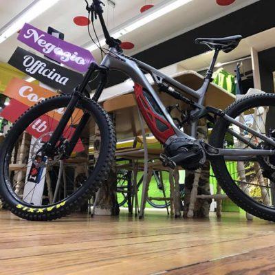 e-bikes di bikecafe