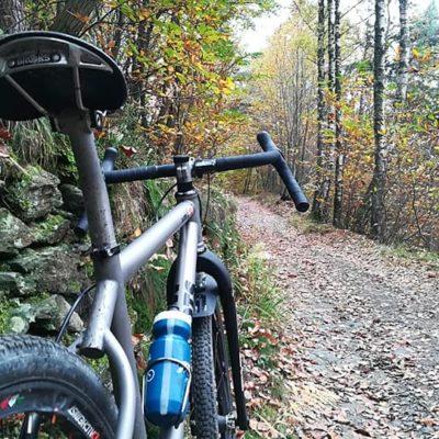 Biciclette gravel in titanio